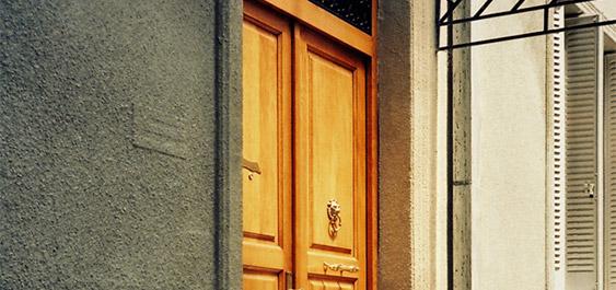 masivna-drvena-ulazna-vrata